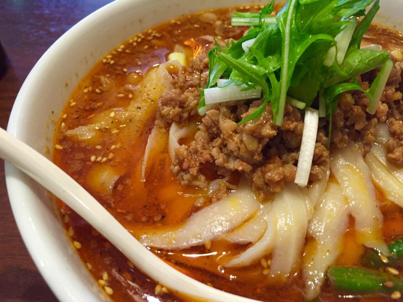香港亭 麻辣刀削麺