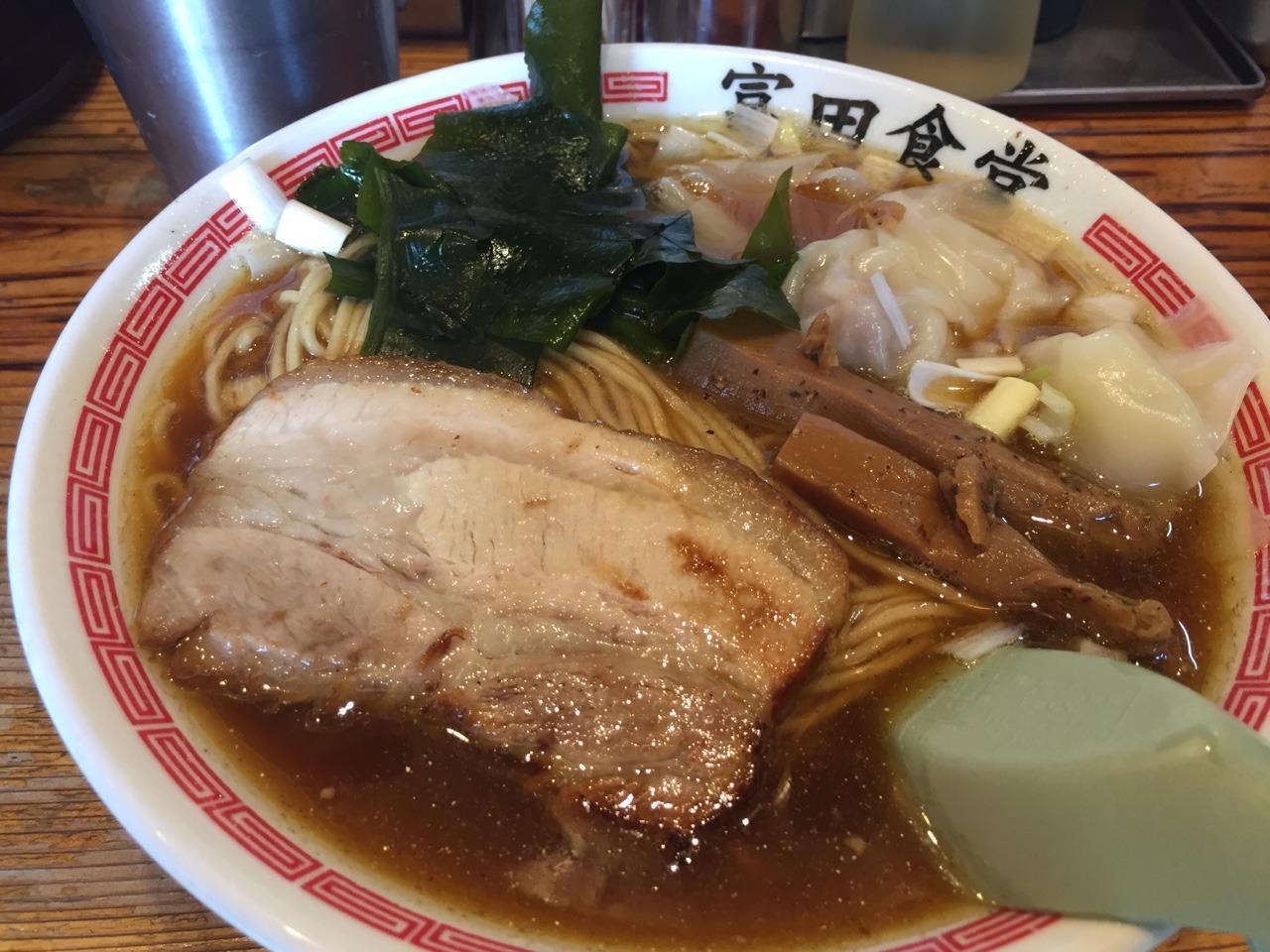 富田食堂 中華そば(中) ワンタントッピング